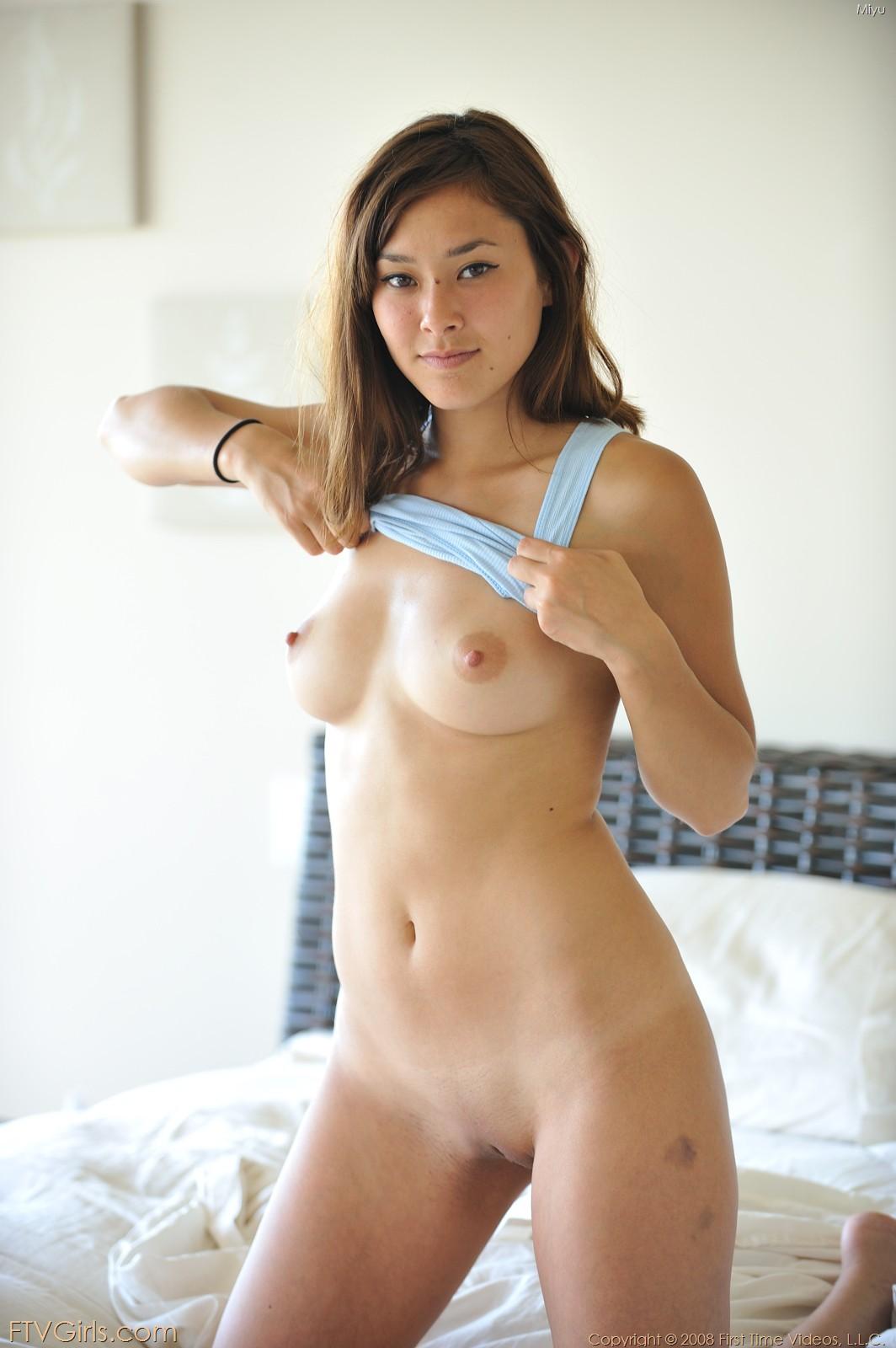 Ashley tisdale nipple slip