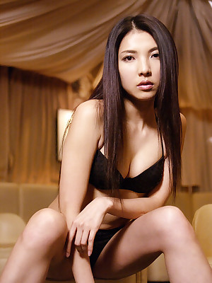 nude images of michelle kwan