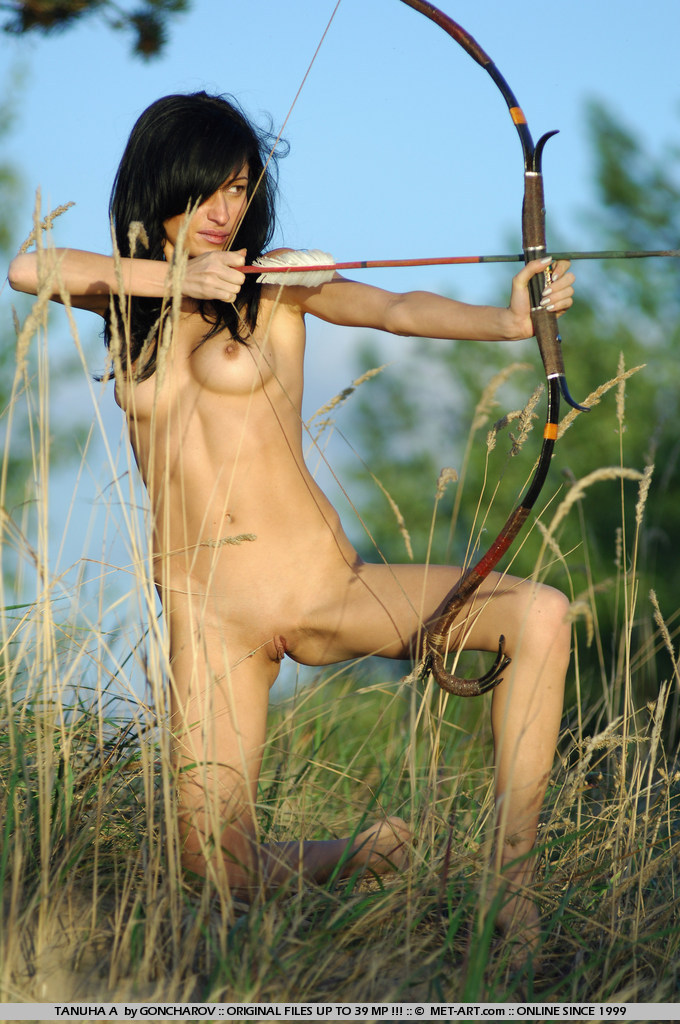 naked-girl-hunters